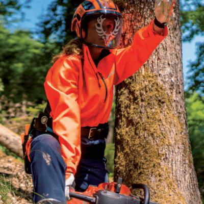 Kurtka do pracy w lesie i nie tylko